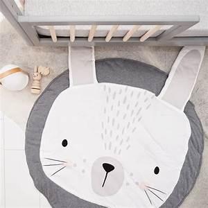 Tapis lapin : un tapis de jeux doux et design pour bébé