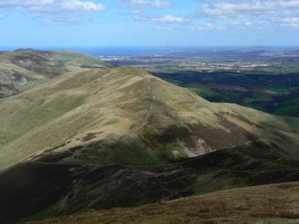 pentland hills edinburgh walks scald law