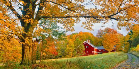 Beautiful Autumn Barn Photos  Fall Foliage Pictures
