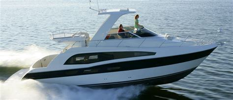 Different Boat Motor Brands by Motor Yacht Cruiser Boats Buyers Guide Discover Boating