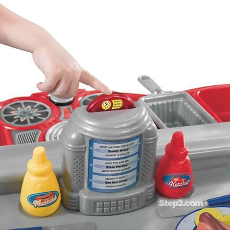 Step2 50's Diner kitchen   Best Educational Infant Toys
