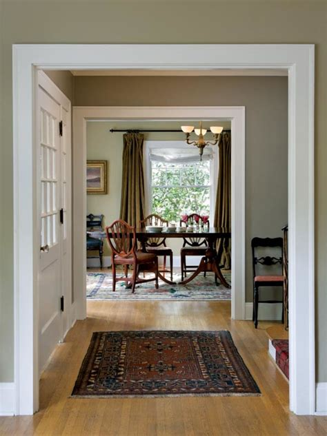 choosing paint colors for a colonial revival home restoration design for the vintage house