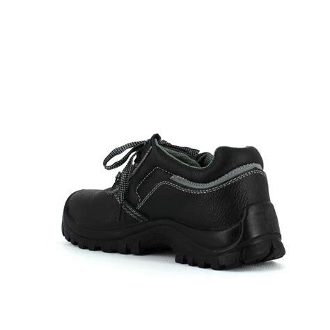 chaussure securite cuisine pas cher chaussure de sécurité pas cher en cuir 19 75 ht lisashoes