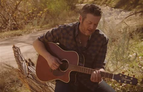 blake shelton i lived it lyrics blake shelton quot i lived it quot video lyrics