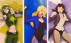 Black Canary And Zatanna Kiss