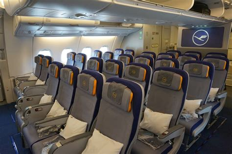 review of lufthansa flight from singapore to frankfurt in