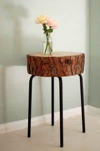 Tisch Aus Holzscheiben : diy tisch aus einer baumscheibe basteln mit naturmaterialien baumstamm tisch diy m bel ~ Cokemachineaccidents.com Haus und Dekorationen
