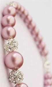 εїз   BLAIR SPARKLES   Pink pearls   Pink pearl bracelet ...