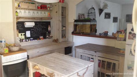 cuisine palette fabriquer une cuisine en bois meuble de cuisine en