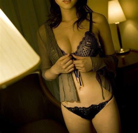 일본여자사진 숨막히는뒤태 끈팬티녀 가터벨트녀 비키니모델