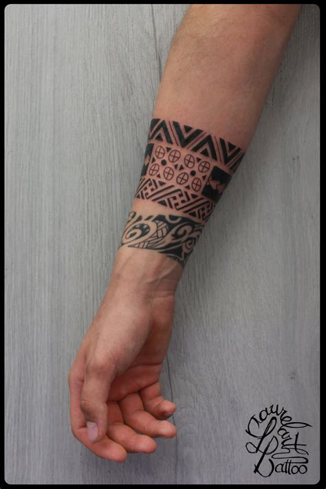 tatouage avant bras  travail modeles  exemples