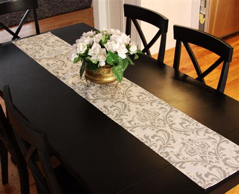how long should a table runner be how to jazz up your dining room table rental college news
