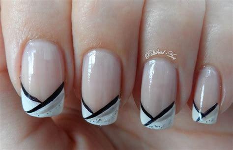 Белый френч фото на ногтях новинки с рисунком дизайном со стразами и блестками