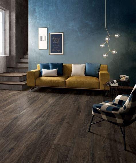 Fliesen Farbe Petrol by Wohnzimmer Mit Fu 223 Boden In Holzoptik Und Wandfarbe Petrol
