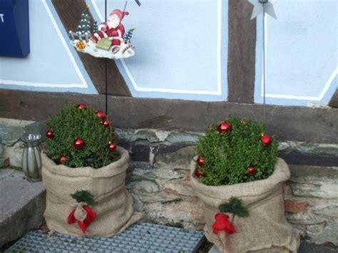 Weihnachtsdeko 'Es weihnachtet das Landhaus auch draußen