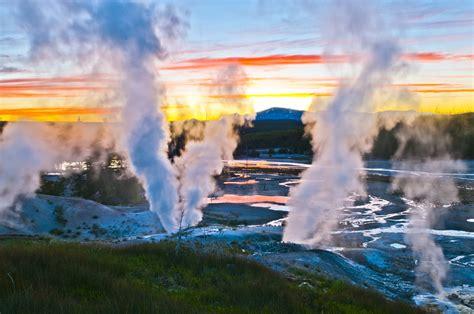 Виды и особенности различных источников геотермальной энергии способы их использования.