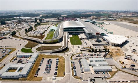 Car Rental In Porto Airport Portugal by Shuttle Or Meet And Greet Service Porto Airport