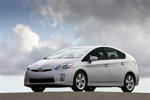 Toyota Issues Recall For 242 000 Prius And Lexus Hs 250h
