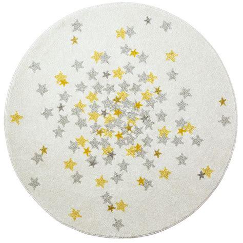 chambre beige tapis rond étoiles grise et jaune chambre bebe par