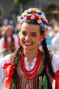 Folk costume from Kraków, Poland | Grandmothers, Costumes ...