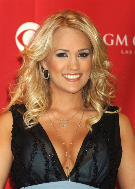 Sexy Carrie Underwood Pictures | POPSUGAR Celebrity Photo 45