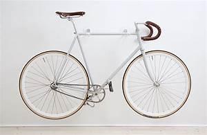 Fahrrad Wandhalterung Design : hooks handgefertigte fahrrad wandhalterung unhyped ~ Frokenaadalensverden.com Haus und Dekorationen
