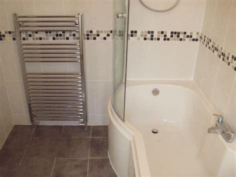 Badezimmer Fliesen Mit Bordüre by Fliesen Bord 252 Ren Badezimmer Badezimmer Bordre Beispiel