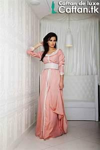 aujourdhui en portant une splendide caftan marocain de With robe femme luxe