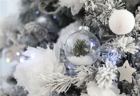 decoration sapin noel blanc don t mess with the rabbit diy boules de noel sapin noel blanc inspirations