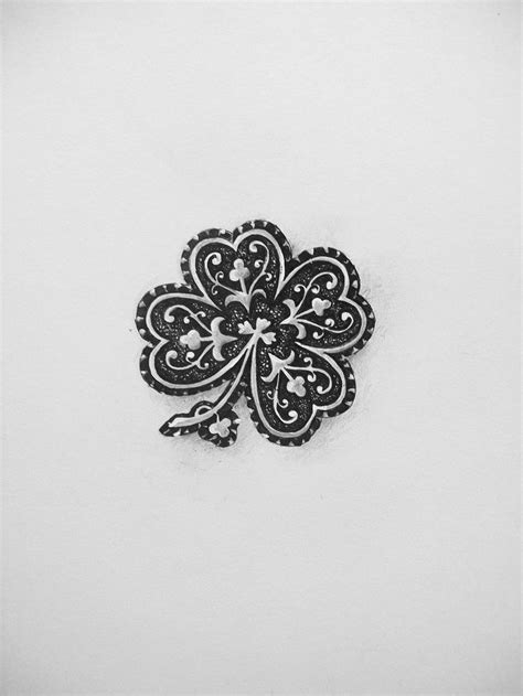 would totally get an Irish tattoo. | ink. | Tattoos, Clover tattoos, Four leaf clover tattoo
