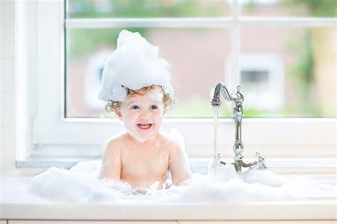 wie oft darf ich grillen wie bade ich mein baby richtig kidsroom de baby