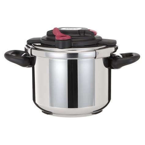 cuisine à la cocotte minute cocotte minute clipso 6 litres table de cuisine