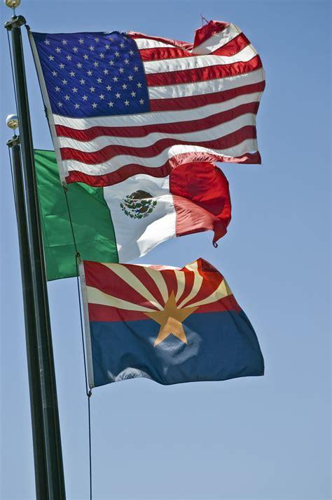 usa mexico arizona  flags   entrance
