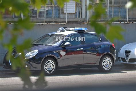 Alfa Romeo Giulietta Carabinieri E Polizia