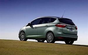 Ford C Max Essence : ford c max hybride 2013 il peut parcourir 917 km avec un plein d 39 essence guide auto ~ Medecine-chirurgie-esthetiques.com Avis de Voitures