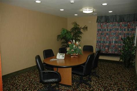 comfort inn suites anaheim the comfort inn suites anaheim disneyland resort