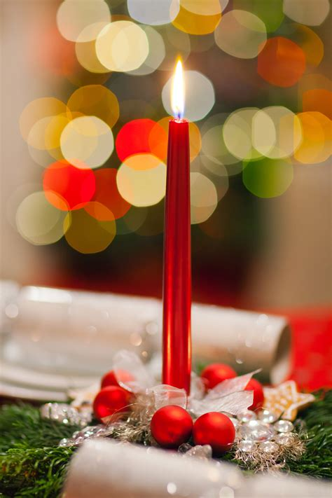 christmas decorations with candles 30 adorable christmas candle decoration ideas