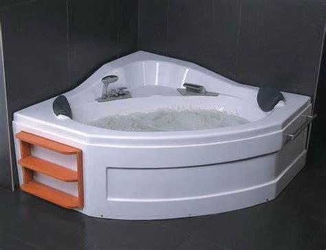 Plastic Bathtub by 25 Best Ideas About Plastic Bathtub On