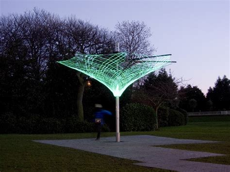 Sonumbra Solar Powered Tree Lights Up The Night By Loopph