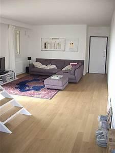 Canapé De Sol : couleur mur et sol autour de canap prune ~ Teatrodelosmanantiales.com Idées de Décoration