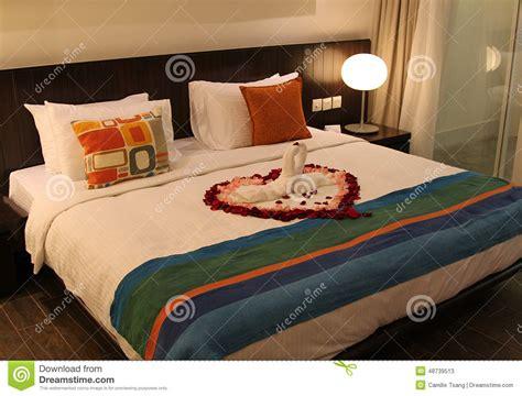 chambre lune de miel lit de lune de miel image stock image du honeymoon coeur