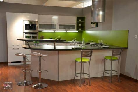 cuisine verte et grise cuisine vert pomme et blanche