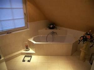 Bad Mit Dachschräge Dusche : tageslicht im bad mit eckbadewanne bad 065 b der dunkelmann ~ Bigdaddyawards.com Haus und Dekorationen