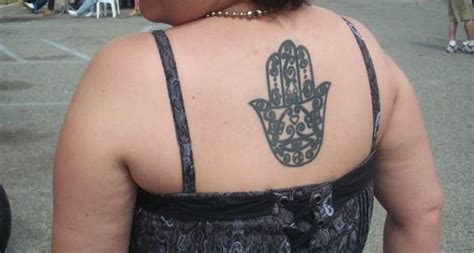 cool hamsa tattoo ideas  meanings hative