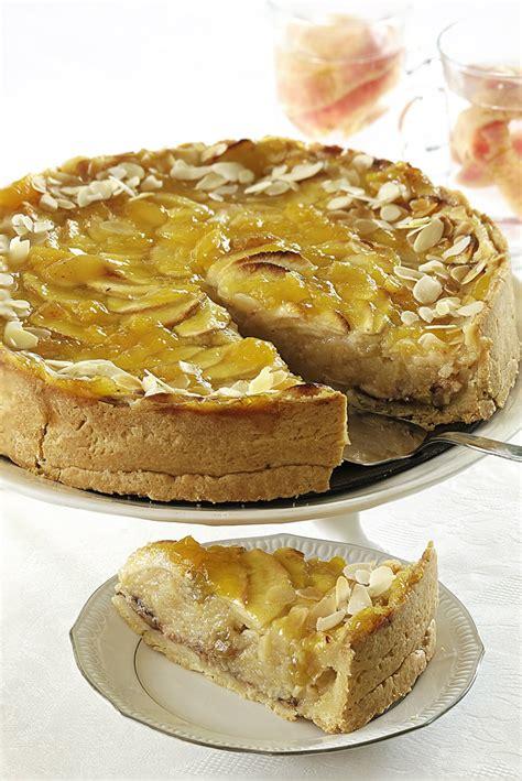 Ābolu marcipāna kūka - Pie Galda!