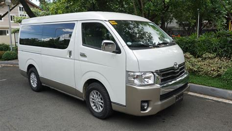 Here's Why The Toyota Hiace Super Grandia Is Awesome