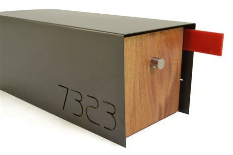 A Cool Modern Home Needs A Mailbox Like This