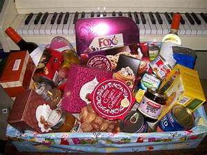 17, Baskets, Anomalous, N, Some, Classic, Christmas, Gift, Hamper, Ideas