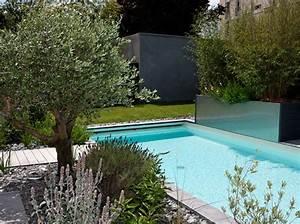 deco jardin autour d39une piscine actuelle With jardin autour d une piscine