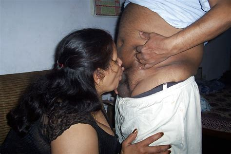 Indian Bbw Aunty With Huge Boobs 6 Pics Xhamster